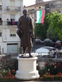 Паметник на Хан Алцек